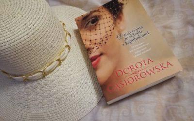 """Kapelusze, stary młyn i tragedia sprzed lat. D. Gąsiorowska """"Dziewczyna ze sklepu z kapeluszami"""""""